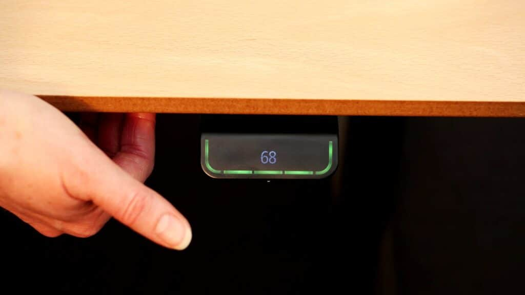 How to initialise and adjust the desk